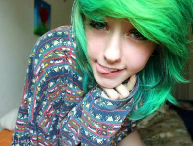 Girls with green hair tumblr