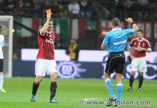 Sodnik prejme rdeč karton, 1. del! :D xD