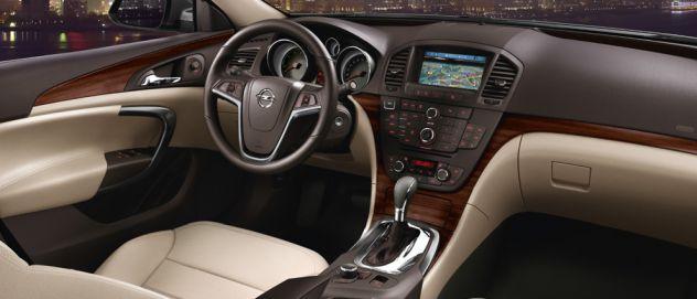 Opel insignia notranjost