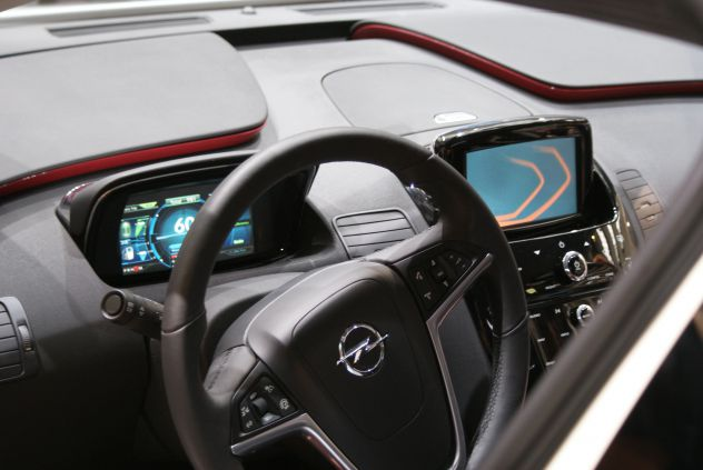 Opel ampera notranjost