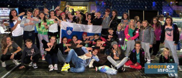 na češkem s plesno šolo zeko