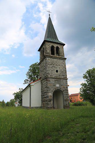 Cerkev svete Barbare Zajelšje, oranžna naša hiša