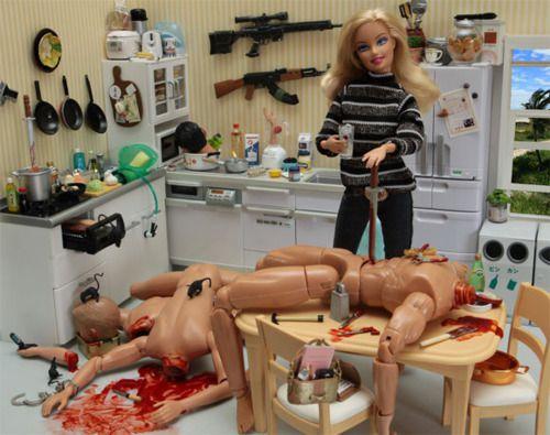 Barbie ubijalka haha škoda da ni tega blo ko sm še bla mala :(